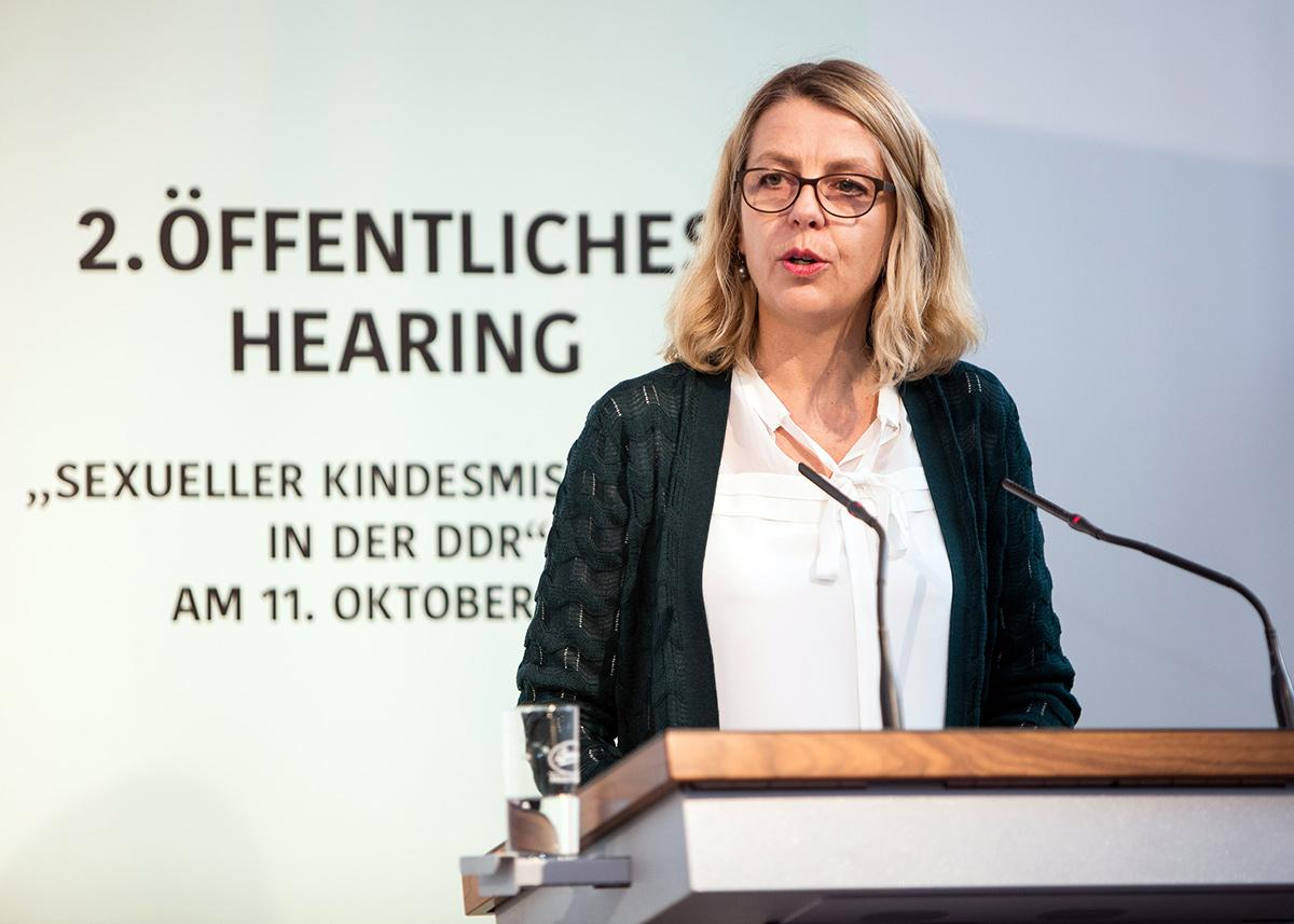 Sabine Andresen, Vorsitzende der Kommission
