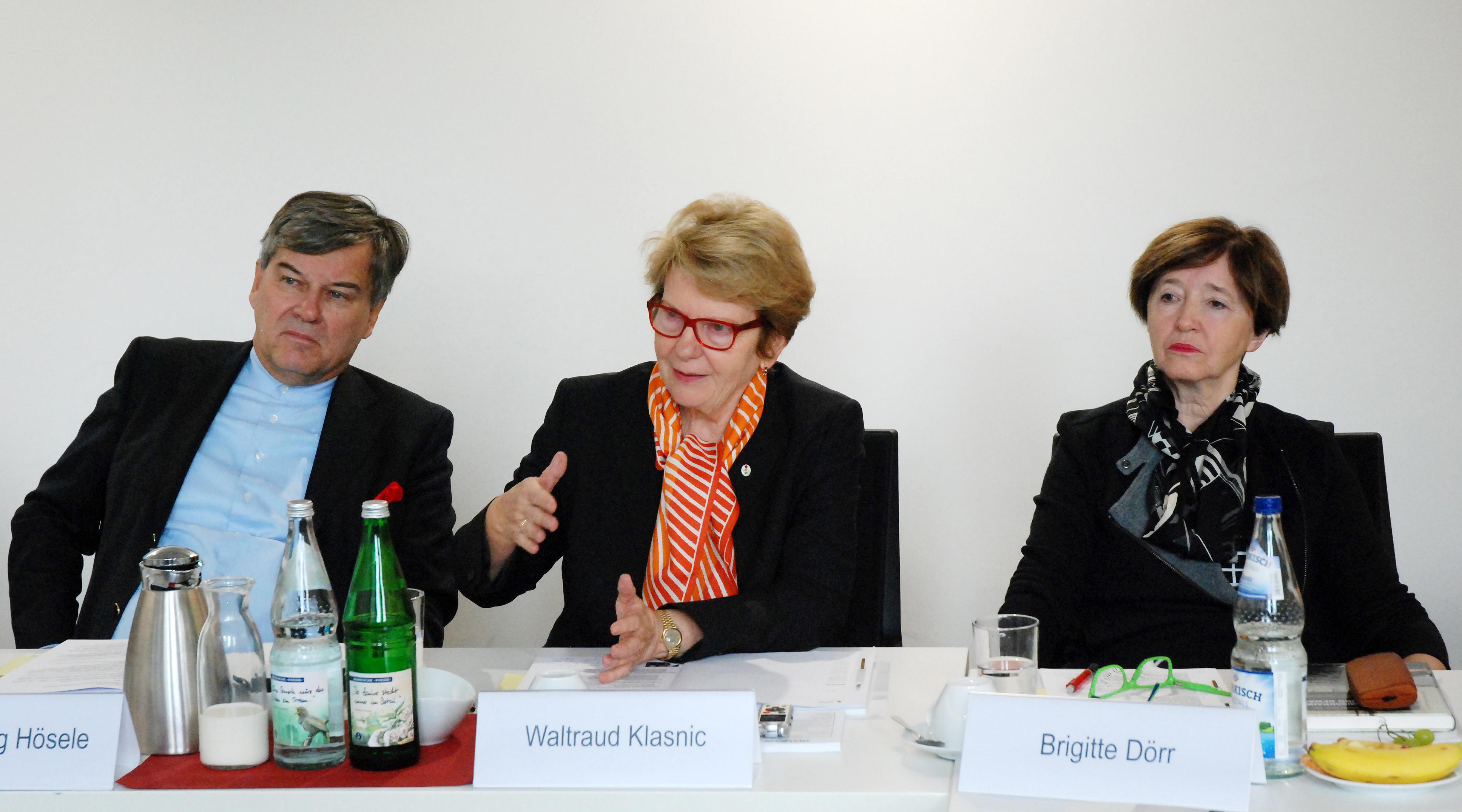 von links nach rechts: Prof. Herwig Hösele, Waltraud Klasnic, Brigitte Dörr