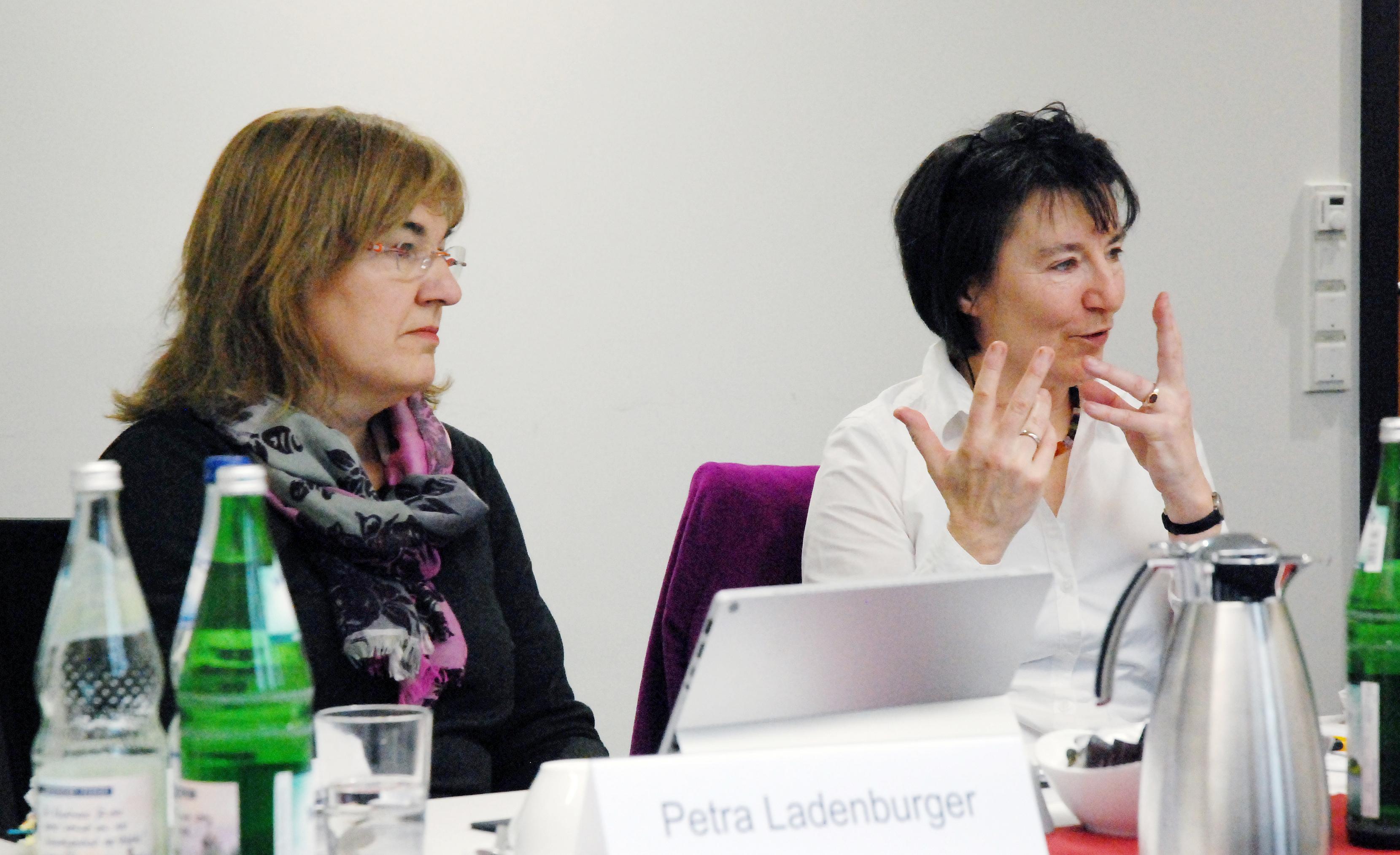 von links nach rechts: Petra Ladenburger, Martina Lörsch