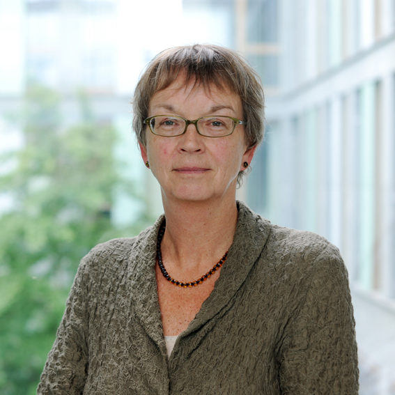 Porträt von Brigitt Lüeße
